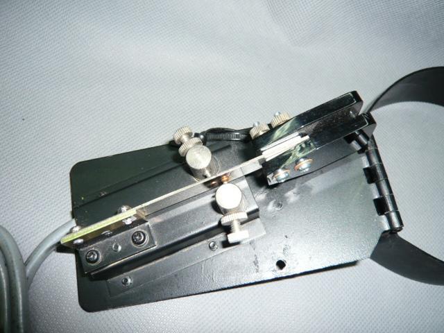 ひざ打ち 複式電鍵 自作